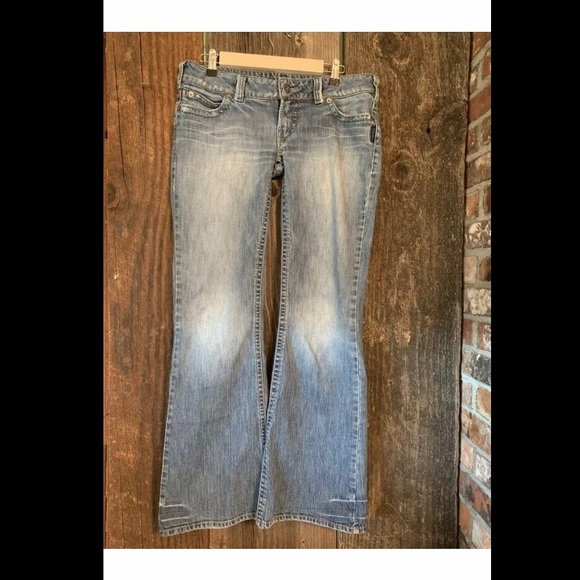 Silver Jeans Denim - CARINA Size 31 Low Rise  Stretch Light Wash